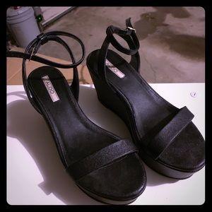 Zara Shoes - ZARAA SANDALS!